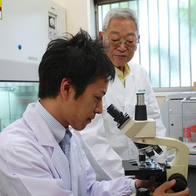 Dr. Ohhira ir Dr. Takahata